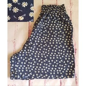 90s Vintage Ditzy Daisy Print Long Cotton Shorts